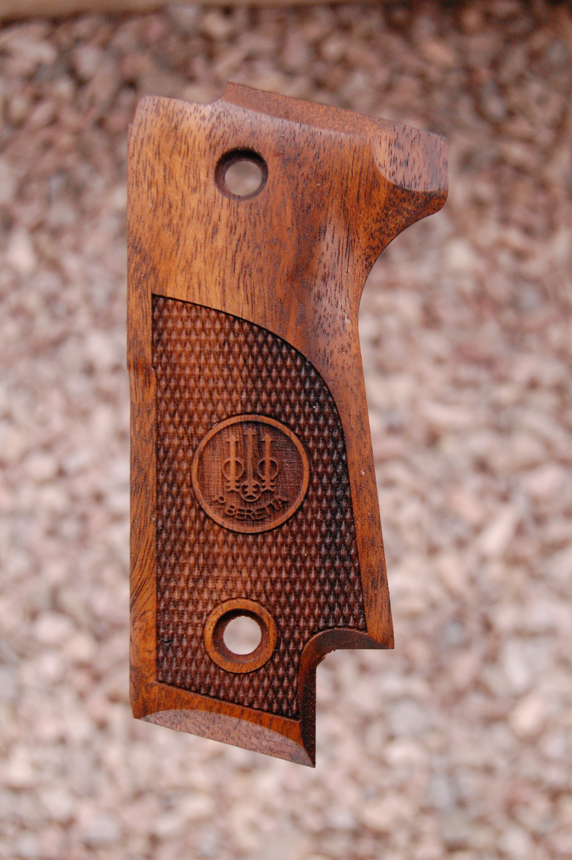 BERETTA 92S grips (checkered+logo) - full size