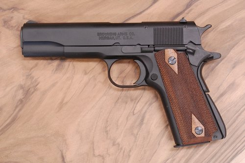 BROWNING 1911-22 grips (checkered)