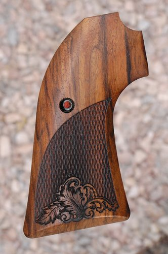RUGER Bisley Vaquero grips (checkered)