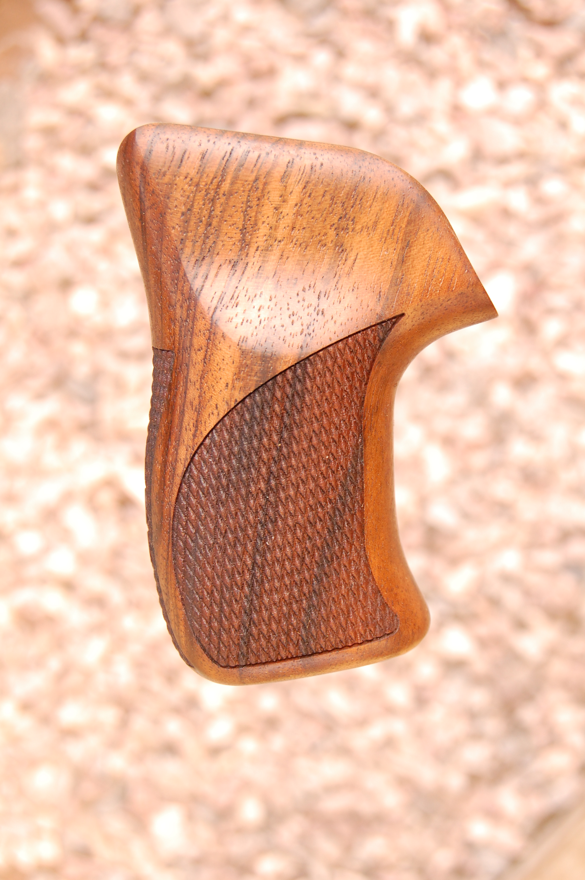 RUGER LCR grip (checkered back+logo) - full size