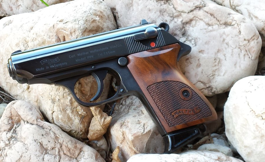 Customers Walther PPK