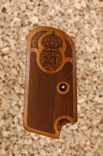 Husquarna 1907 grips (checkered+logo)